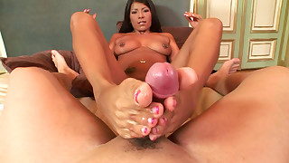 babe bus busty boyfriend cumshot foot-fetish big-cock footjob hot