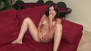 beauty couch hot masturbation natural pornstar pussy solo